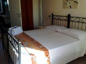camera matrimoniale 1 – piano terra – Love Sicily 4